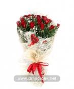Kırmızı güllerden çiçek buketi ürün kodu 1956 85 00 kdv